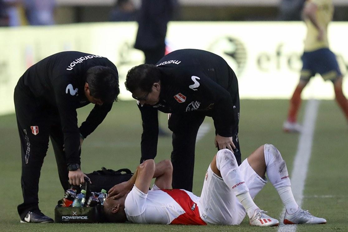 Paolo Hurtado sufrió fractura en el quinto metatarsiano y quedó fuera de la Copa América