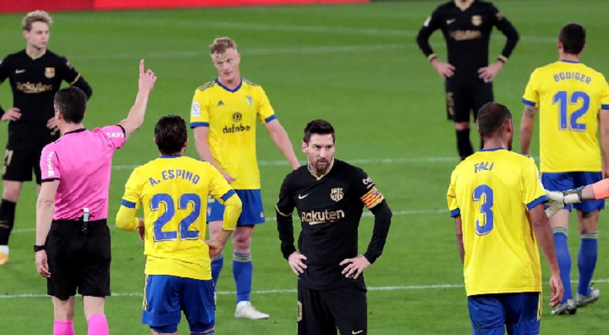 Barcelona perdió 2-1 con Cádiz y se aleja a 12 puntos de los equipos de  arriba video resumen goles LaLiga