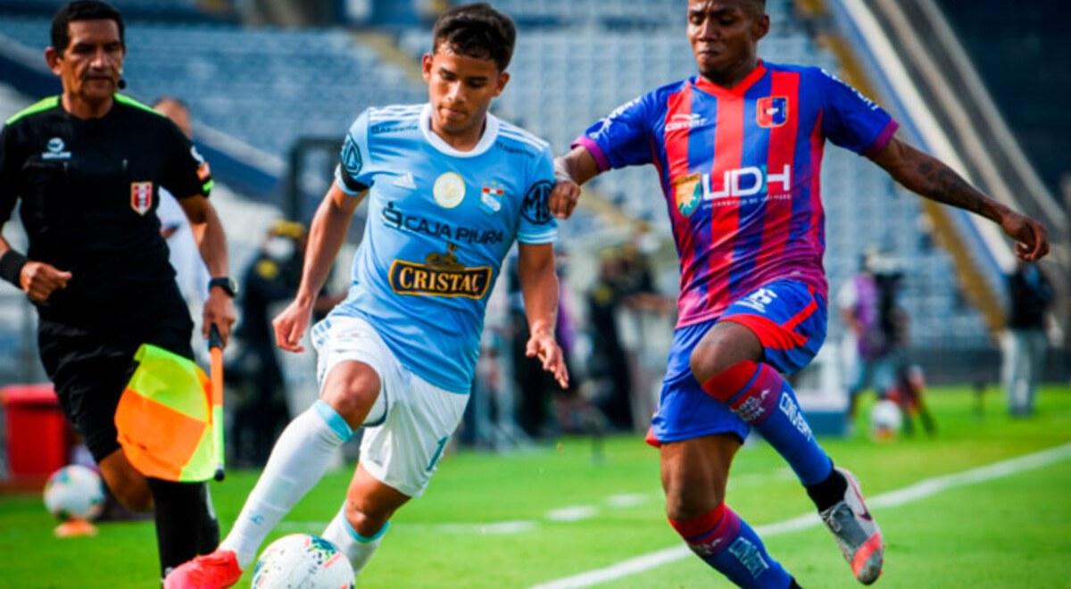Sporting Cristal - Jhilmar Lora se gano el puesto de lateral derecho con  trabajo y talento y causa sensacion en Liga 1 Betsson 2021 - FOTO    libero.pe
