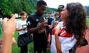 Jefferson Farfán atendió a hinchas de Lokomotiv y fue sorprendido con camiseta de Perú [FOTO]