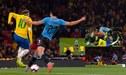 """Brasil vs Uruguay: Edinson Cavani agarró a patadas a su """"amigo"""" Neymar [FOTOS Y VIDEO]"""