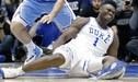 Joven promesa de la NBA sufre lesión tras romperse su zapatilla Nike en pleno partido [VIDEO]