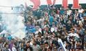 Alianza Lima: Hinchas detonaron fuegos artificiales frente del hotel de Binacional [VIDEO]