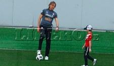 Ricardo Gareca mostró su lado más tierno al lado de su nieto en entrenamiento [FOTOS]