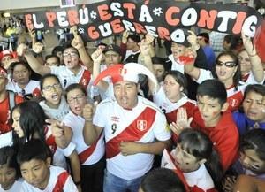 Hinchas marcharon en Lima en apoyo a Paolo Guerrero