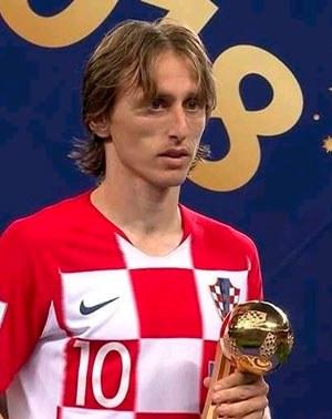 Modric recibió Balón de Oro como mejor jugador del Mundial