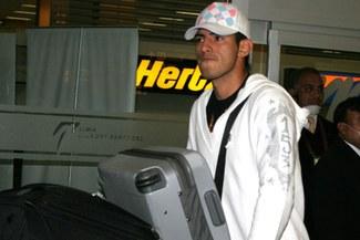 Alista sus maletas: Carlos Zambrano dejaría el Schalke 04