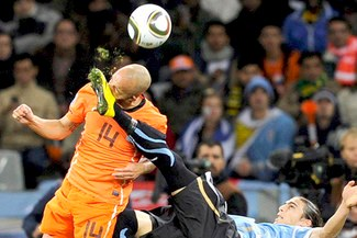 !Eso Duele!: El Holanda-Uruguay se jugó muy fuerte