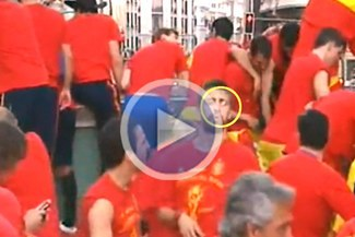 ¡Ampay!: Piqué escupió a ex presidente del Valencia