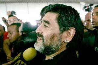 "Maradona: ""Si me tocan al utilero, si me tocan al masajista, me voy"""
