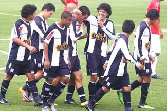 Jugadores de la reserva de Alianza analizaron el cotejo ante los 'Santos'