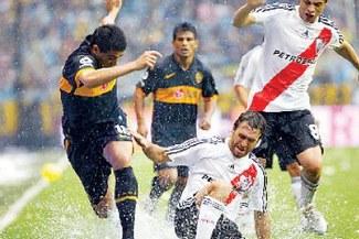 Clásico argentino: Boca y River chocan a las 5:00 p.m.