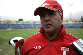 Técnico Ferrín pide jugar a estadio lleno