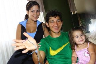 "Esposa del 'Búfalo' Ovelar: ""Pronto Roberto volverá a marcar muchos goles"""