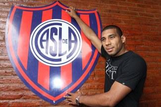 Fútbol internacional: Giancarlo Carmona será titular en San Lorenzo frente a Gimnasia