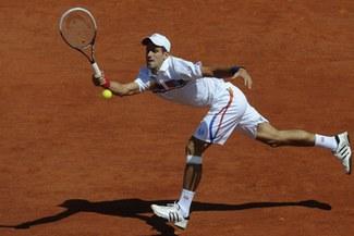 Djokovic arrasó con De Bakker en el inicio del Roland Garros