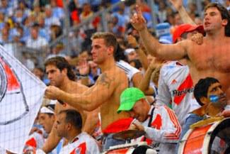 Todo por la Promoción: Hincha de River Plate muere de paro cardiaco