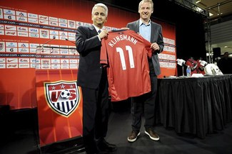 Jürgen Klinsmann fue presentado como técnico de Estados Unidos