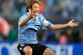 Fenerbahce anunció el pase de Diego Lugano al Paris Saint Germain
