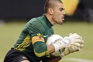 Valdés iguala a Zubizarreta como arquero con más partidos con el Barcelona