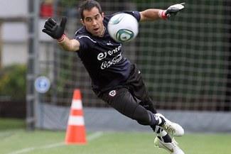 Arquero de Chile respalda a Borghi por expulsión de 5 jugadores