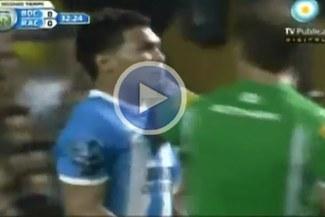 Compañeros de 'Teo' Gurierrez  lo critican por agredir a árbitro