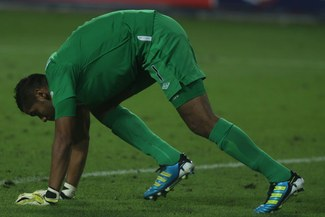Empezó mal: Raúl Fernández debutó en la liga francesa con derrota