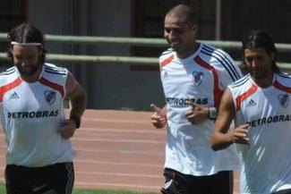 David Trezeguet entrenó por primera vez en River Plate y fue el centro de atención