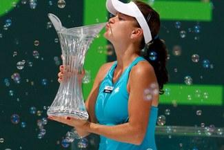 La nueva reina de Miami: Radwanska se coronó campeona al vencer a Sharapova