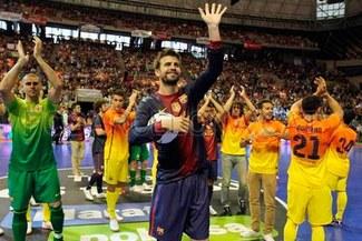 ¡Qué grande! Barcelona protagonizó un partido benéfico de futsal