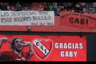 Hinchas de Independiente despidieron a Gabriel Milito en su último partido como profesional
