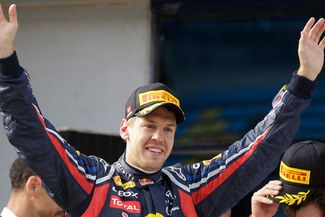 Es fiel: Sebastian Vettel sueña con Ferrari pero se queda en Red Bull