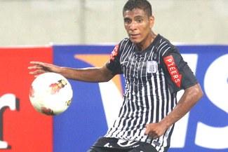 Alianza Lima está pensando repatriar al mediocampista Paolo Hurtado