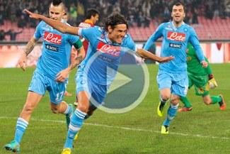 Napoli apabulló a Roma con triplete de Edinson Cavani [VIDEO]