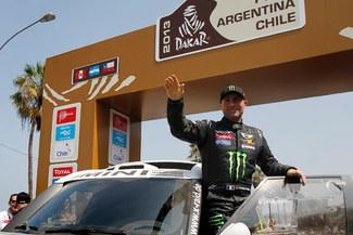 Stéphane Peterhansel gana la segunda etapa del Dakar y es líder