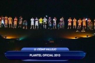 César Vallejo presentó a su plantel 2013 en la 'Noche Poeta'