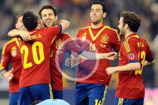 España derrotó 3-1 a Uruguay en la 'Batalla de los campeones'