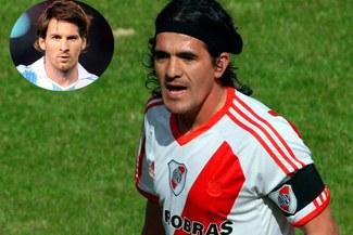 Lionel Messi es invitado por Ariel Ortega a su despedida en el Monumental