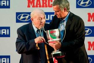 Alfredo di Stéfano: Ojalá José Mourinho se quede en Real Madrid