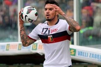 Juan Vargas a préstamo por una temporada más en Genoa