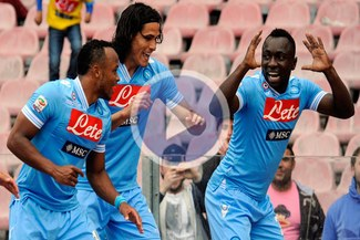 Napoli sufre, pero gana y se acerca a la Champions League [VIDEO]