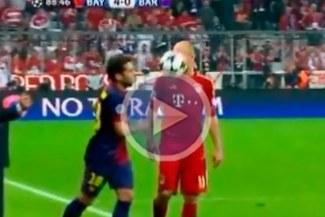 Jordi Alba le tiró el balón en la cara a Arjen Robben [VIDEO]