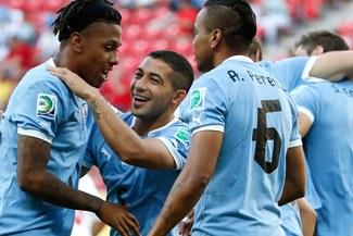 Copa Confederaciones: Uruguay humilló 8-0 a Tahití y clasificó como segundo del Grupo B