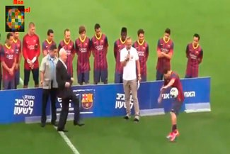 Lionel Messi recibió balonazo del Presidente de Israel [VIDEO]