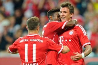 Bayern Múnich de Claudio Pizarro superó 0 - 1 a  Eintracht Frankfurt de Carlos Zambrano [VIDEO]