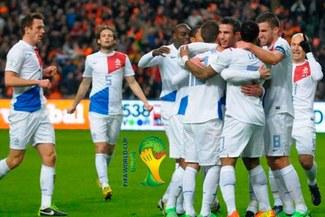 Eliminatorias Brasil 2014: Robin Van Persie se lució con doblete y clasificó a Holanda al mundial [VIDEO]