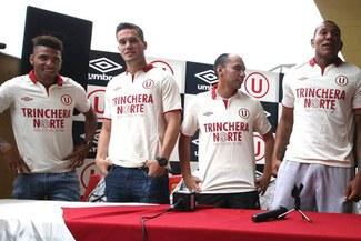 """Universitario de Deportes: Jugadores presentaron camiseta en honor a """"Trinchera Norte"""" [FOTOS]"""