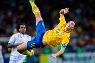 Este es el golazo de Zlatan Ibrahimovic, nominado al 'Mejor Gol del Año' [VIDEO]