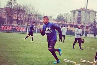 Andy Polo la 'rompió' en su primera práctica en Inter de Milán