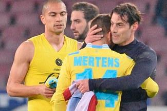 Napoli se dejó empatar 1 – 1 con autogol para Livorno [VIDEO]